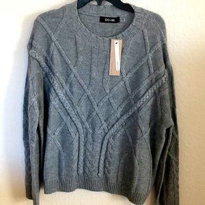 Gray cable knit sweater new size medium